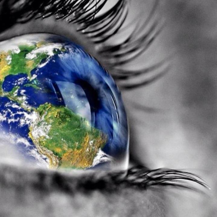 earth-eye